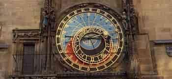 часы в праге