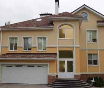 красивый дом с мансардой
