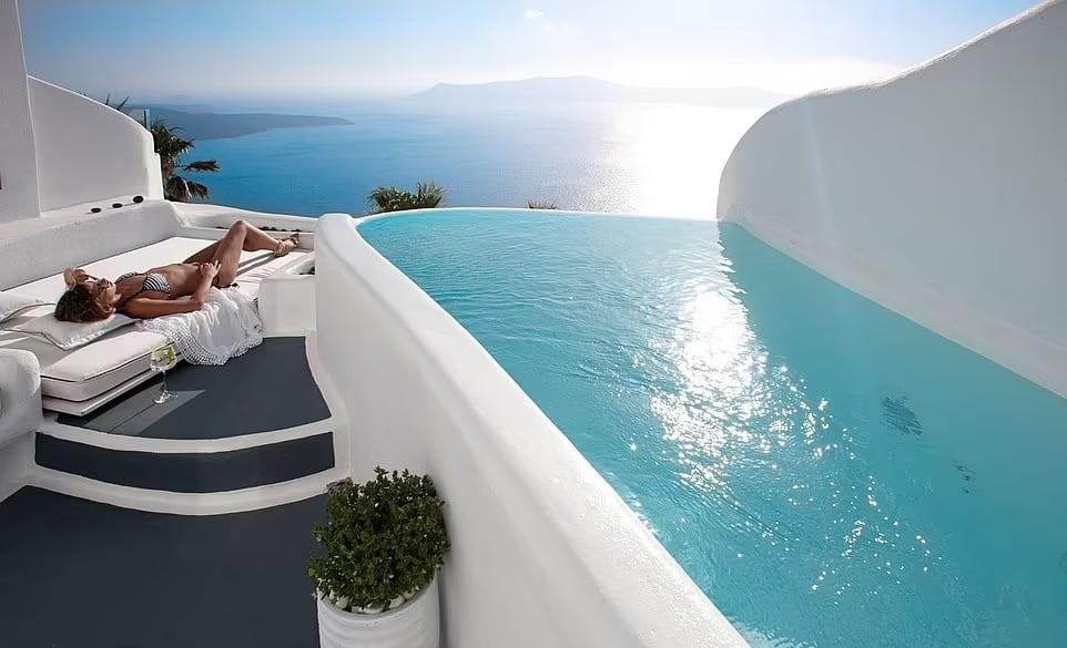DANA VILLAS & INFINITY SUITES, Греция